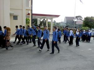 Rombongan-siswa-dan-guru-studi-banding