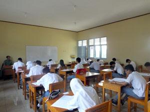 Saat-Ujian-Sekolah-Berlangsung